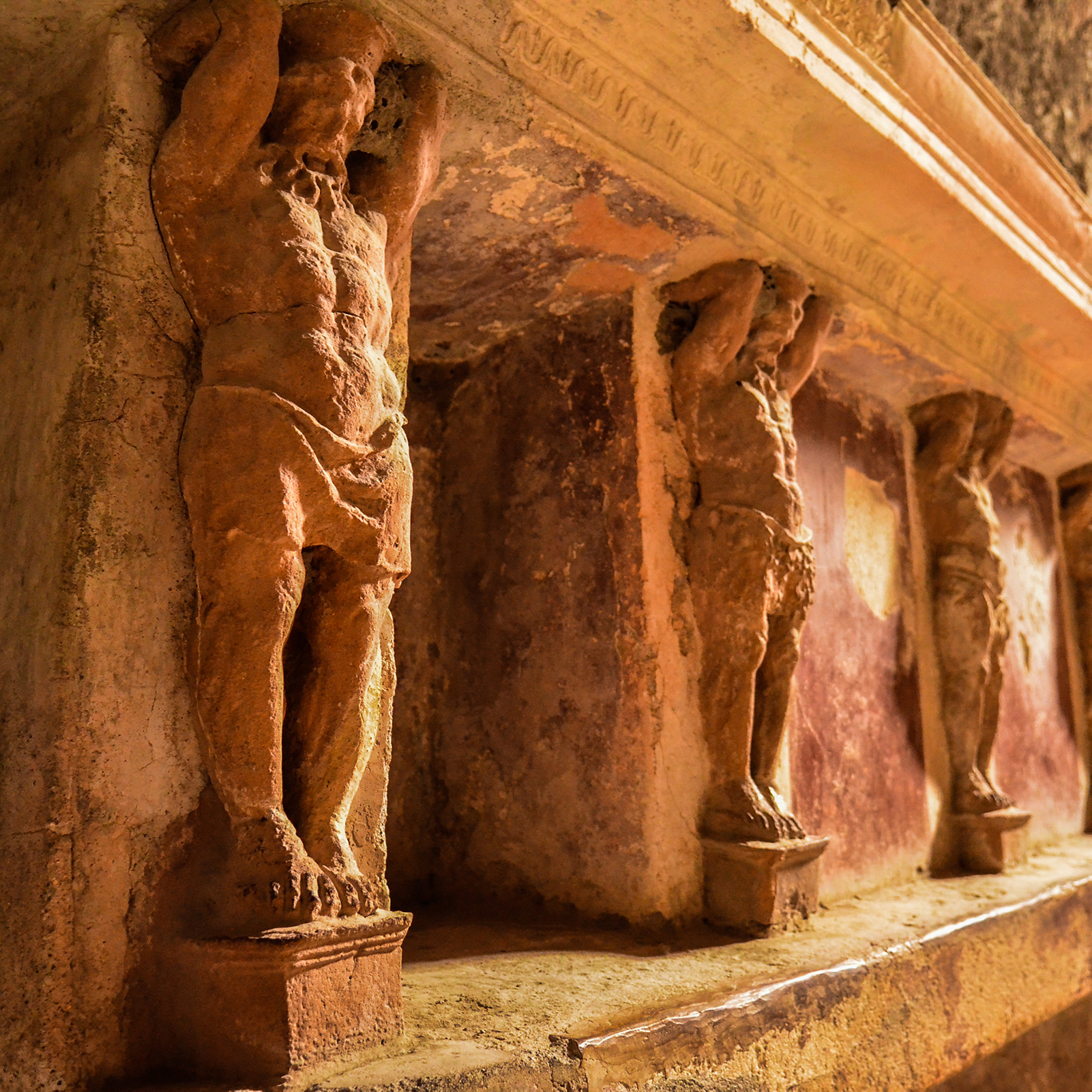 Small group tour of Pompeii and Herculaneum with expert archaeologist guide: tickets and transport from Naples included!
